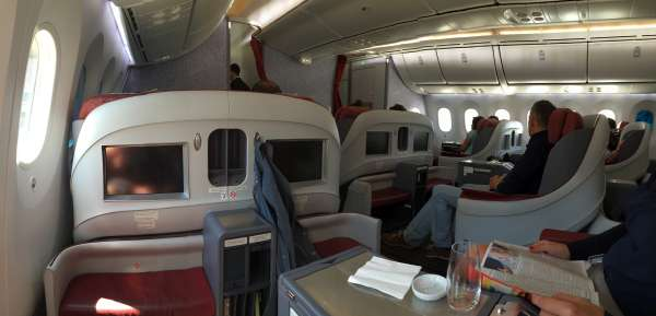 lan_boeing_787_dreamliner_business_class_1
