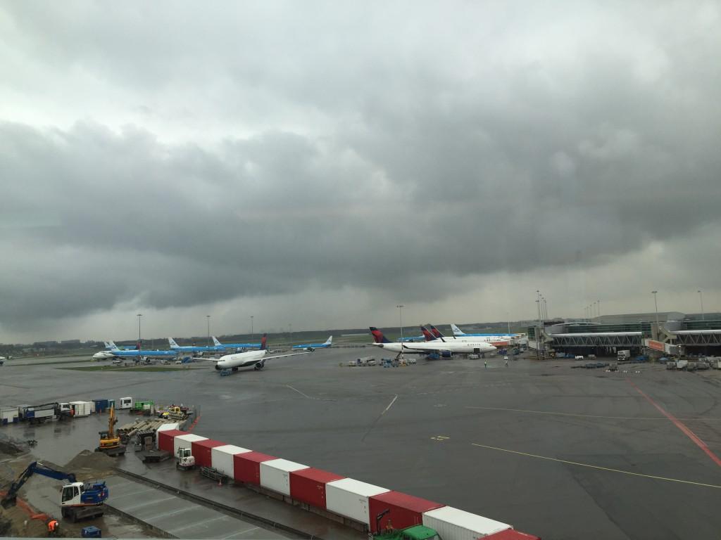 Vorfeldblick aus der British Airways Lounge