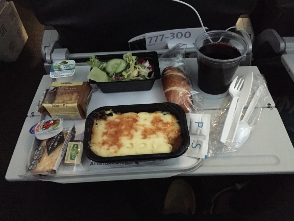 Mahlzeit auf dem American Airlines Flug von London nach Los Angeles