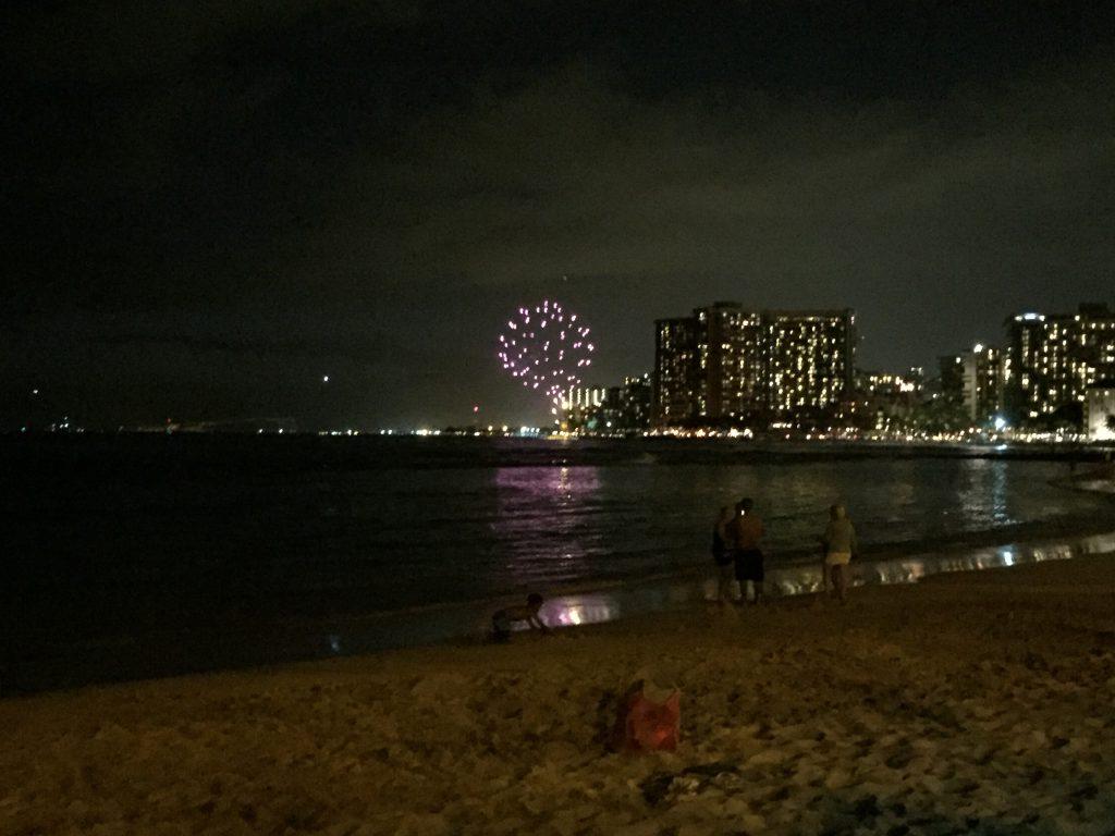 Wöchentliches Feuerwerk in Waikiki Beach